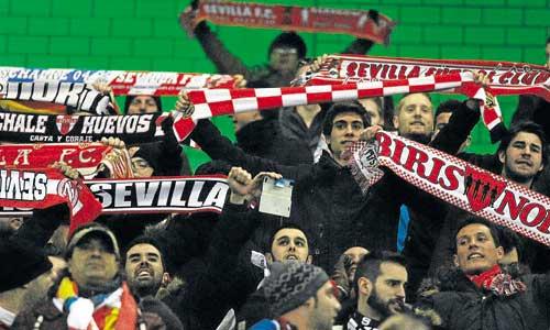 Los sevillistas sufrieron pero también disfrutaron de su equipo. La victoria fue toda una alegría