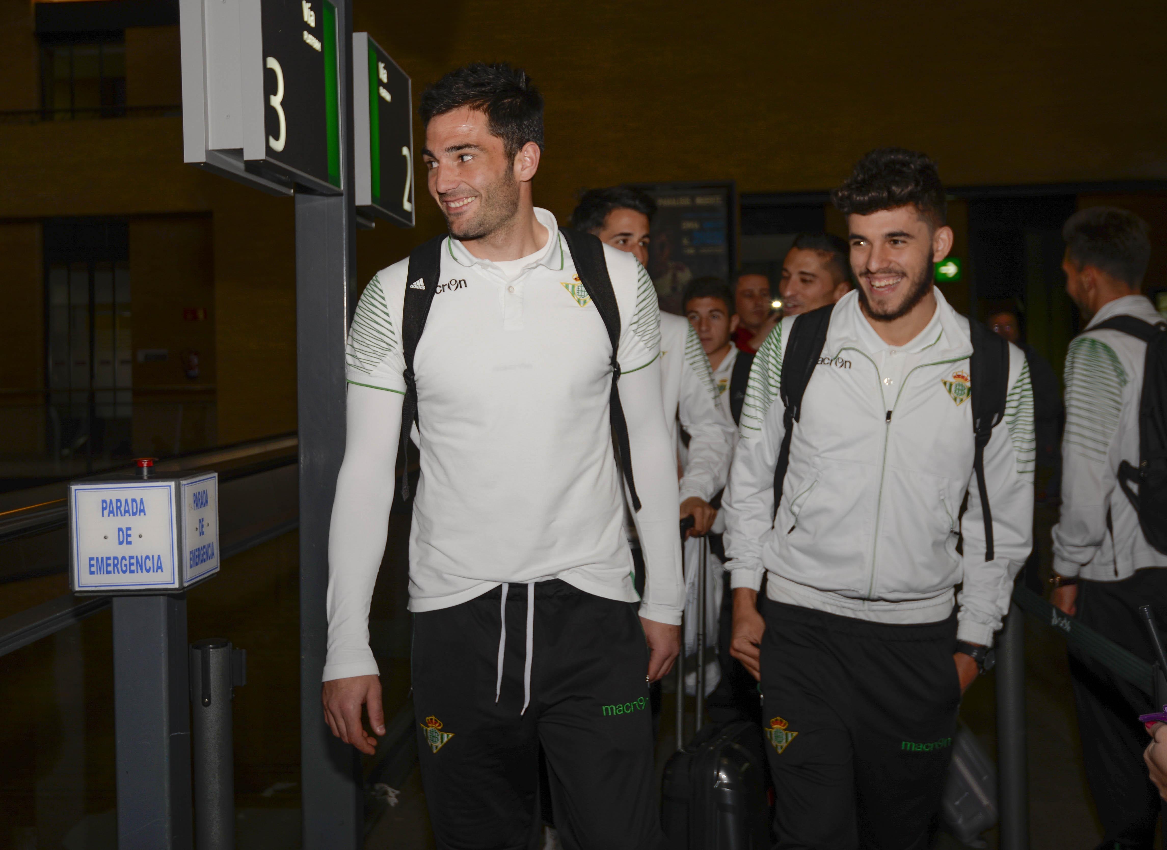 Sevilla 28-2-2015 Salida Real Betis (Santa justa)Adan y Ceballosfot