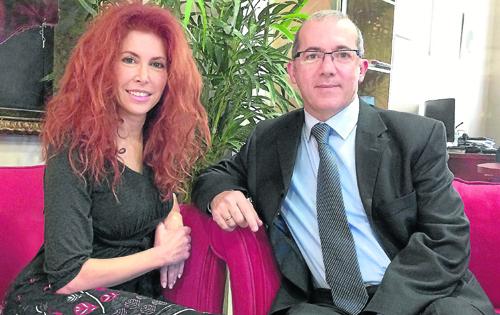 Victoria Ramírez y Damián Rico, coordinadores de la publicación cultural 'Umbrales'. / El Correo
