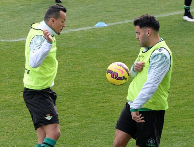 Kadir, con Bruno en un entrenamiento / Foto: Inma Flores