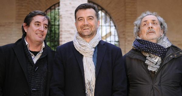 Antonio Maíllo (c) junto a José Chamizo y Luiz García Montero. / EFE