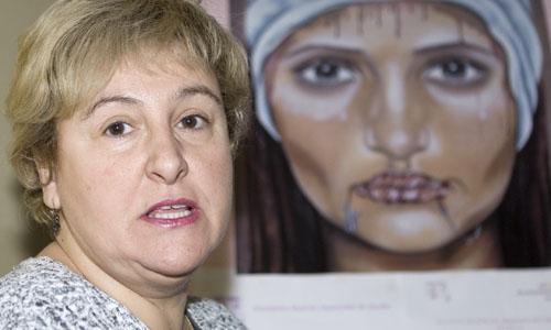 LA MADRE QUE HA RECUPERADO LA CUSTODIA DE SU HIJA DENUNCIA EL DAÑO CAUSADO A LA MENOR