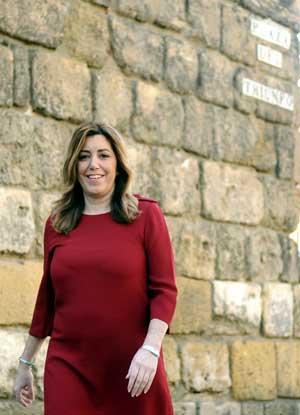Susana Díaz a su llegada a la Casa de la Provincia. Foto: EFE