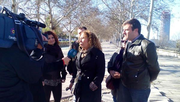 Pilar Távora, en su visita a la calle Torneo.