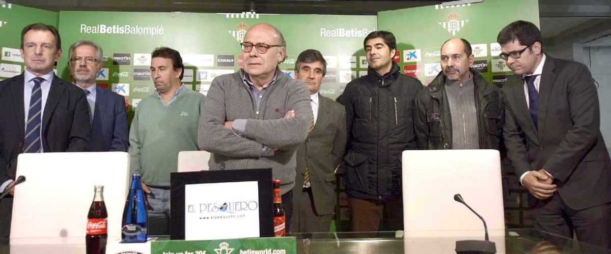 El presidente del Real Betis en la conferencia de prensa de esta noche. Foto: Manuel Gómez