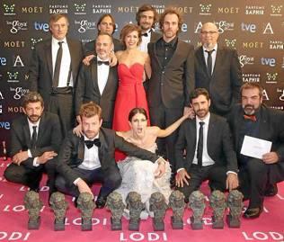 Los ganadores con La Isla Mínima, con sus diez Goya. / @juliodelarrosa