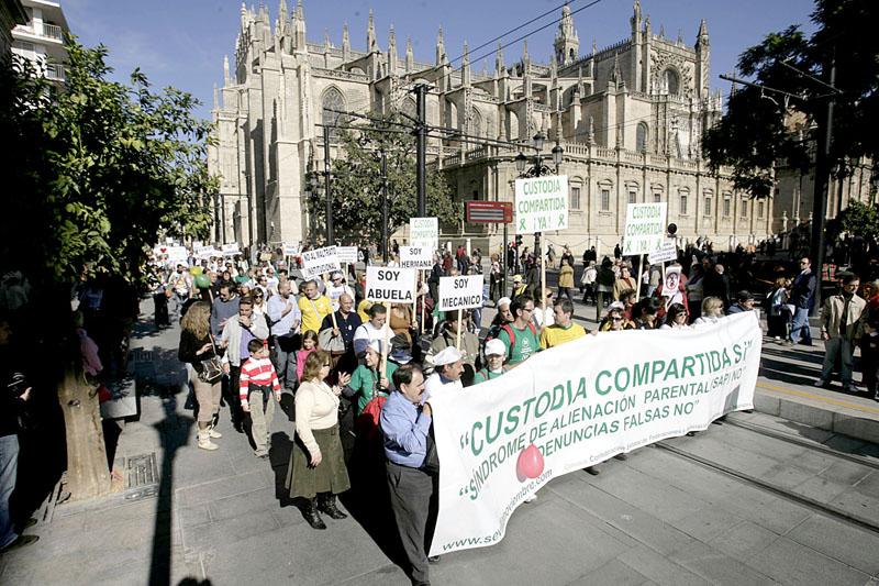 Una imagen de una manifestación por la custodia compartida. / José Manuel Cabello