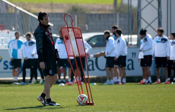 Emery, en la sesión previa al partido contra el Gladbach (Foto: Manuel Gómez)