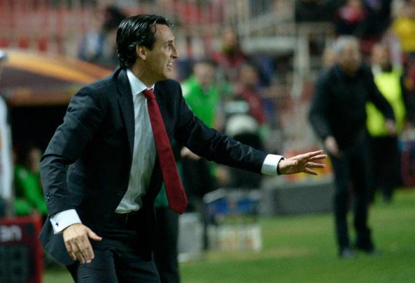 Unai Emery,  puro nervio ante los alemanes (Foto: Manuel Gómez)