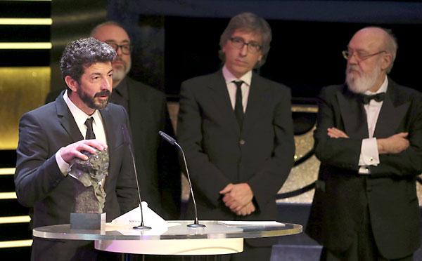 """El realizador Alberto Rodríguez recibe el Goya al Mejor Director, por su trabajo en """"La Isla mínima"""". EFE"""