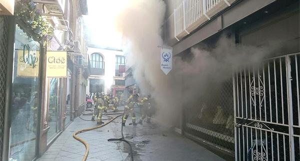 incendio tienda trajes flamenca