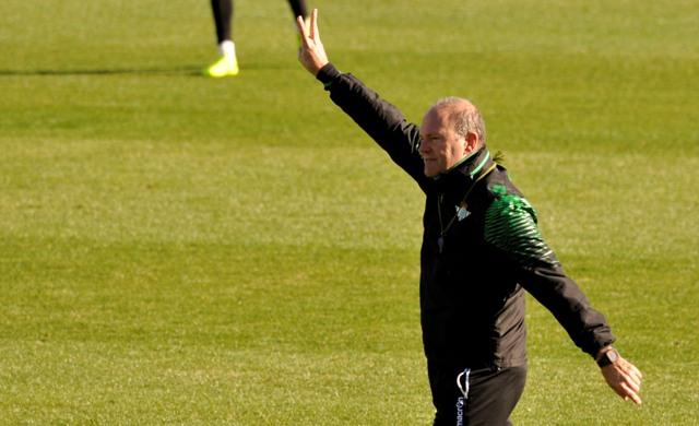 Pepe Mel, en un entrenamiento