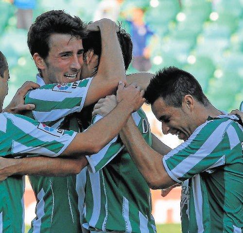 Miki Roqué celebra el gol que marcó aquella tarde ante el Girona / Foto: Paco Puentes