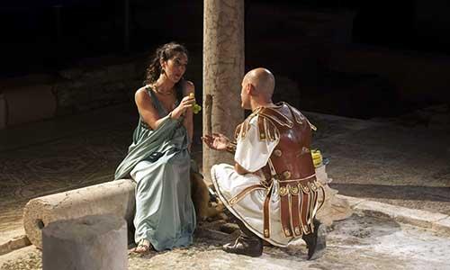 Una de las escenas de 'Poncio Pilatos' que se representaba en el Antiquarium. / J.M. Paisano