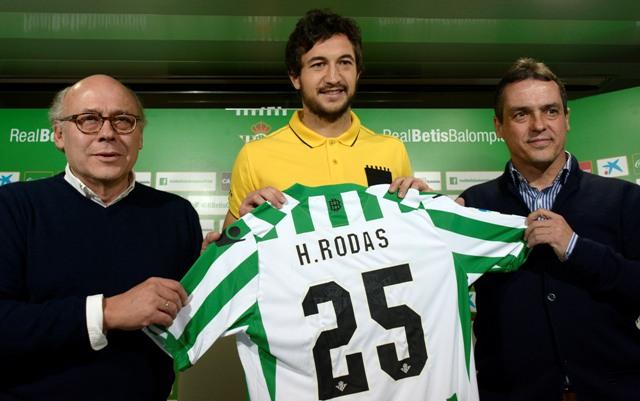 Héctor Rodas, en su presentación como jugador del Betis / Foto: Manuel Gómez