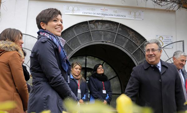 Zoido visita a los informadores del parque María Luisa