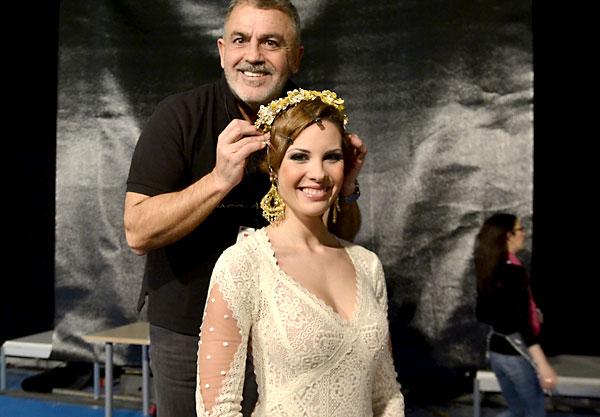 Paco Cerrato es el jefe de maquillaje y peluquería de Simof. / Cayetano Gómez