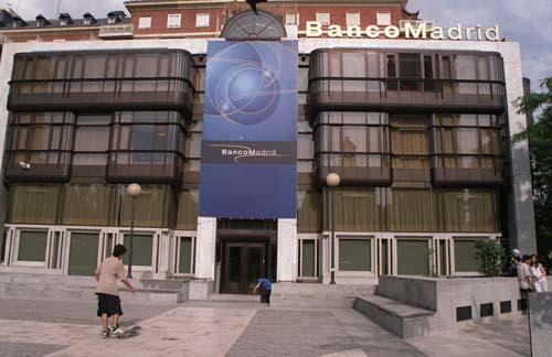 Fotografía de archivo del edificio del banco de Madrid en la plaza de Colón.