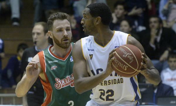 Un momento del encuentro Baloncesto Sevilla-Murcia. / Manuel Gómez