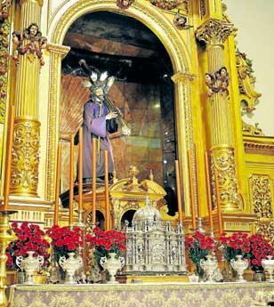 El Gran Poder, en su altar durante la Cuaresma. / R.A.