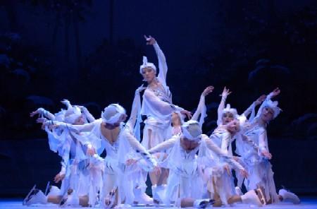 Un momento de la representación, con Olga Sharutenko en primer plano.