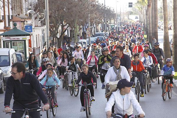 Los palaciegos salieron el 28-F a participar en la tradicional marcha en bici. / El Correo